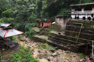 Dakshinkali: il fiume a fianco del tempio
